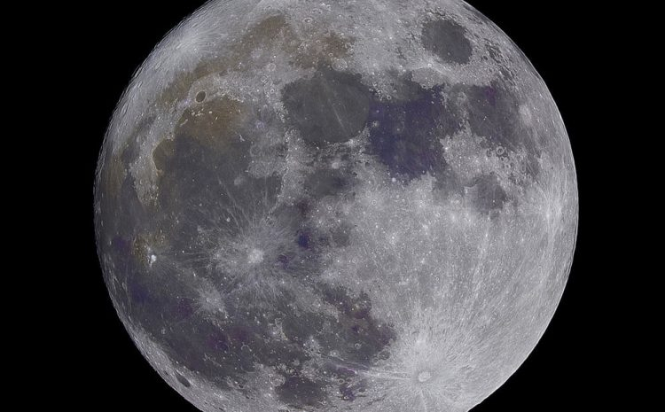 Check out Earth's stunning cameo in this moon flyover video